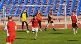 Чемпионат по футболу – 2015 Игроки команды ЭСПЦ-2 празднуют победу Определен новый чемпион «Красного Октября» по футболу